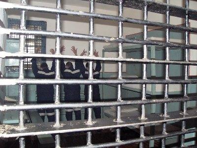 Как происходит освобождение от уголовного наказания в случае истечения сроков давности?