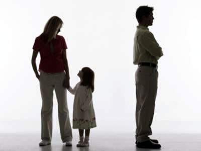 Субъектом неисполнения обязанностей по воспитанию несовершеннолетнего являются родители