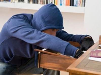 Какие мотивы у грабежа чужого имущества?