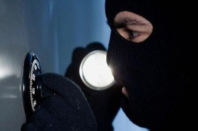 Отличие кражи от смежных преступлений
