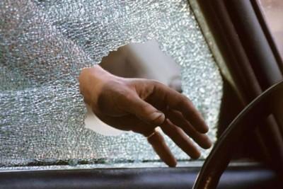 Ограничение кражи автомобиля от смежных преступлений!