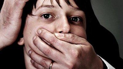 Обвиняют в совершении полового акта с несовершенолетней